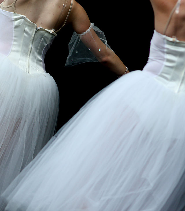Dancersback