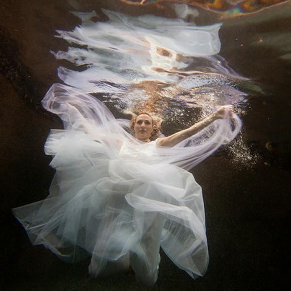 Underwater-trash-the-dress-7-2